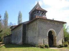 Sur le chemin de Saint-Jacques de Compostelle, une des églises romanes landaises. photo Didier C.