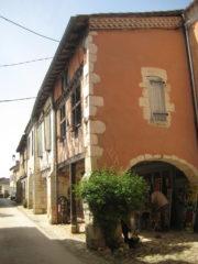 A l'ombre des arcades des bastides du Bas-Armagnac